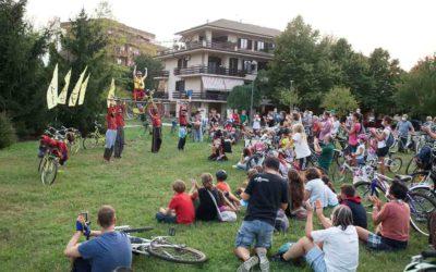 FABER TEATER: SPETTACOLO ITINERANTE IN BICICLETTA